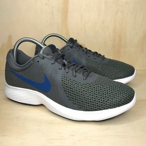 NEW Nike Revolution 4 Dark Grey